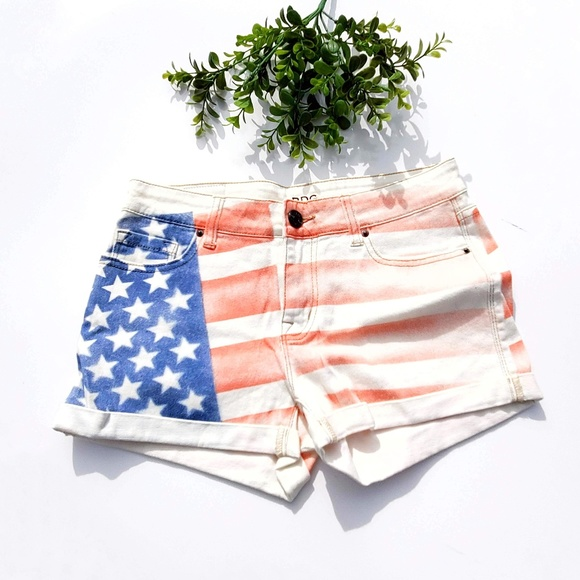 Urban Outfitters Pants - BDG Urban Outfitters Alexa Jean Shorts Flag USA 27
